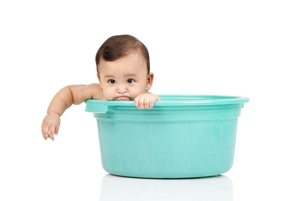 Giờ tắm cho trẻ sơ sinh