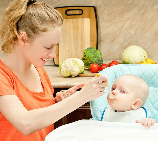 Thực phẩm và thức ăn cho bé